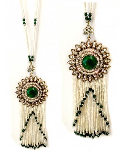 Collares largos de perlas con medallon de criconitas for El jardin del deseo pendientes