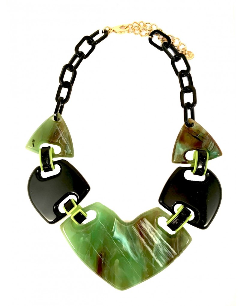 f32d50de72b2 Collares Cortos Originales y Modernos en Negro y Verde
