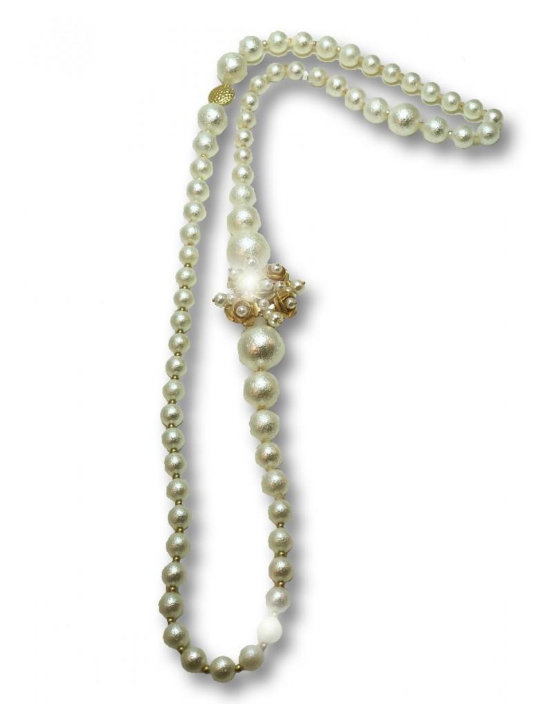 5b6790cf7555 Originales Collares Largos de Perlas Decorado con Dorado
