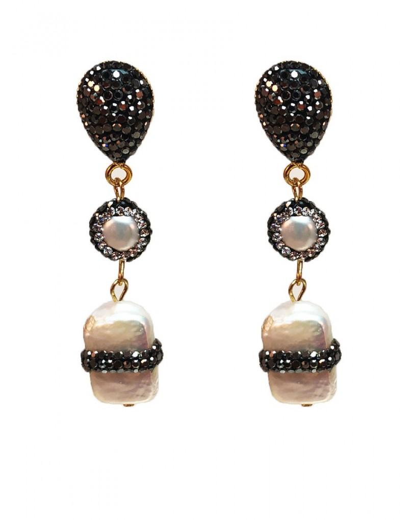 7c28eb07ed9b Pendientes Largos Decorados con Perlas para Tu Vestido de Fiesta ...