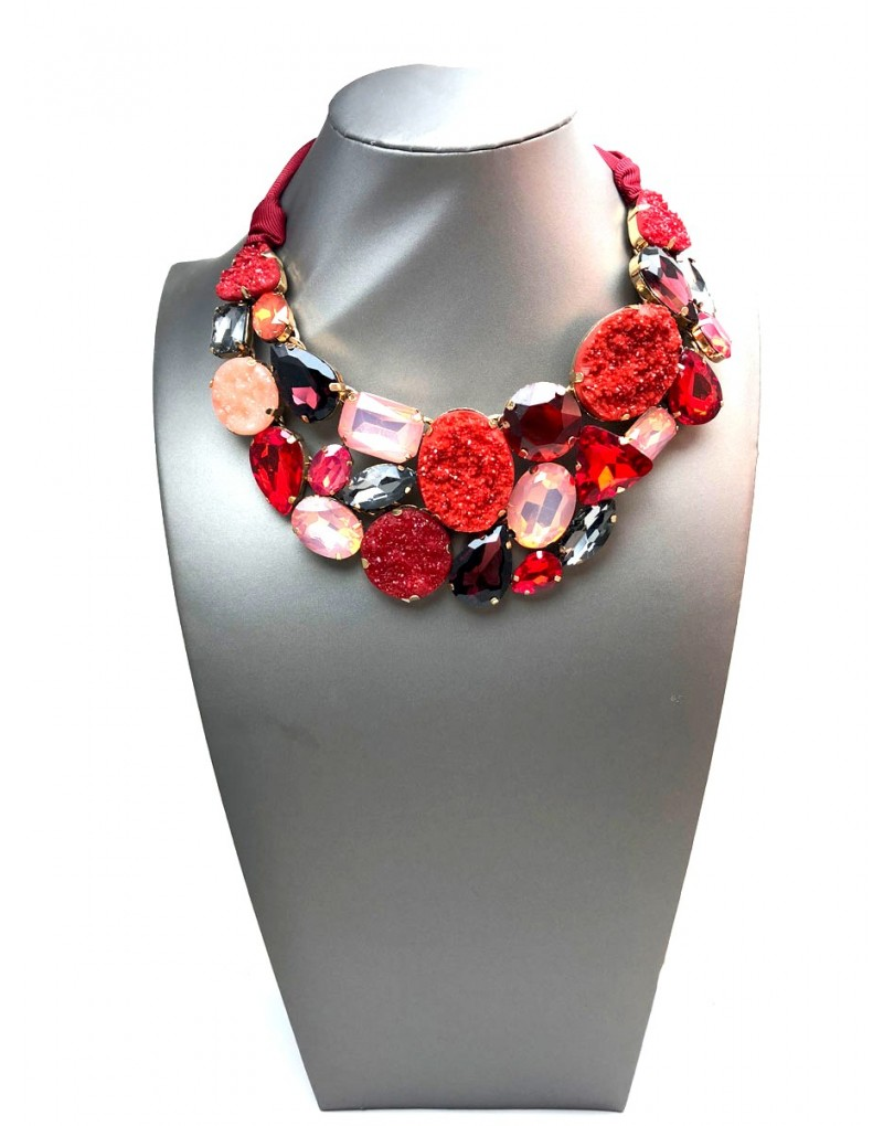 3c5a21369f88 Collares Cortos Rojos Que Te Quedara Espectacular con Tu Vestido ...