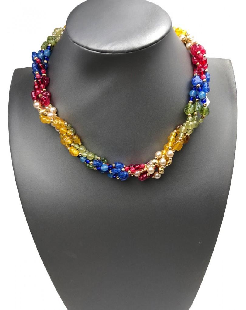 af81f155b50a Originales Collares Cortos de Pedreria con Vistoso Colorido ...